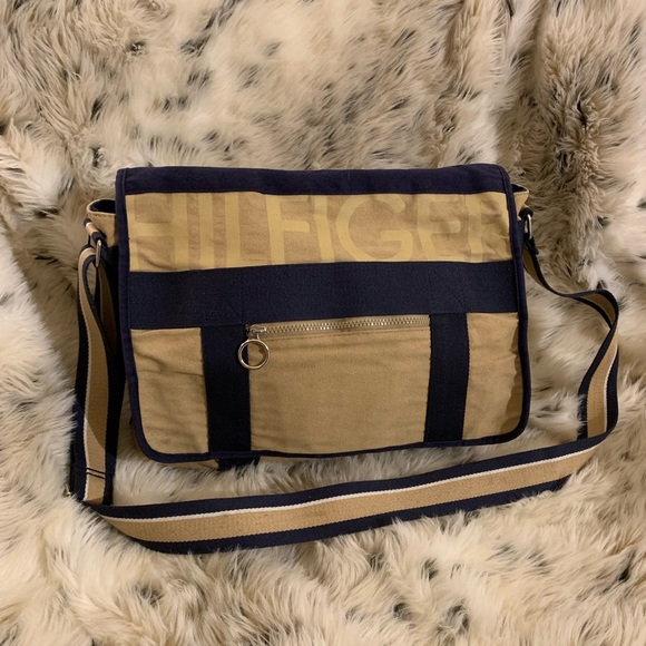 Tommy Hilfiger Handbags - Vintage Tommy Hilfiger messenger bag